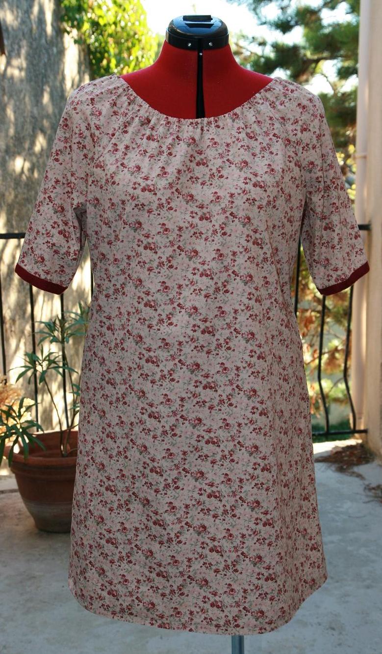 2 Robes Simplicity 3835 – le patron idéal des débutantes