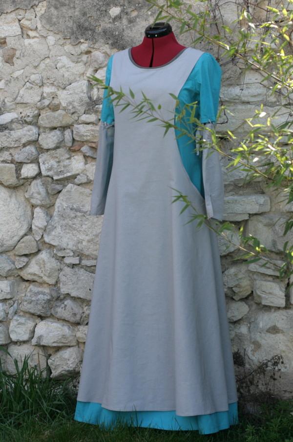 Costume de potière : Robe et surcot